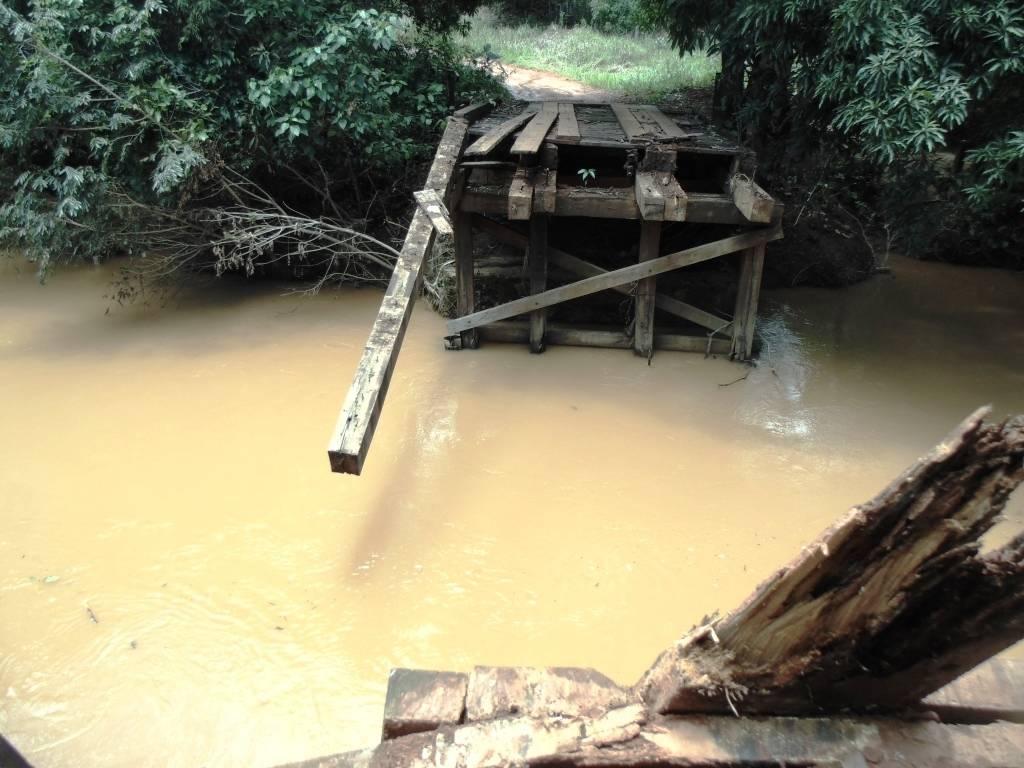 Rio da Casca, em Chapada dos Guimarães, transbordou nesta sexta-feira. (30/01/2016)